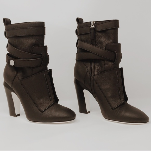 """8533c88d Fendi Couture Runway """"Diana"""" boots in brown NWT"""